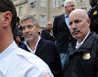 Джорджа Клуни отпустили из тюрьмы под залог
