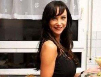 Модель покончила с собой после травли ее силиконового бюста в Сети