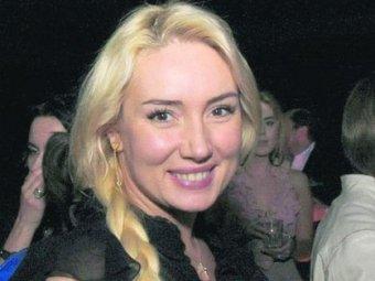 На Украине в подъезде жестоко избили известную телеведущую