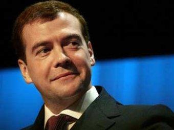 СМИ: Медведев рассчитывает вернуться в кресло президента