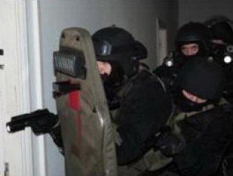 В Москве спецназ штумом взял квартиру с пьяным стрелком: он палил с балкона по прохожим