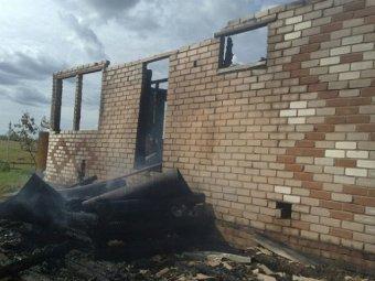Спасая себя, мужчина бросил жену и троих детей гореть заживо