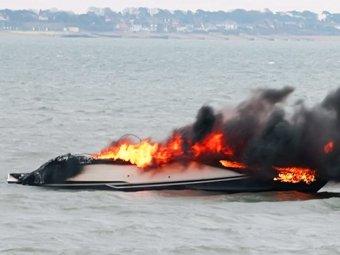 VIP-яхта взорвалась через 15 минут после покупки
