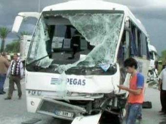 В Турции разбился автобус с российским туристами: двое погибли, 11 ранены