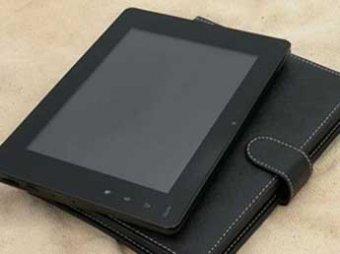 Рогозину показали первый российский планшетник для военных
