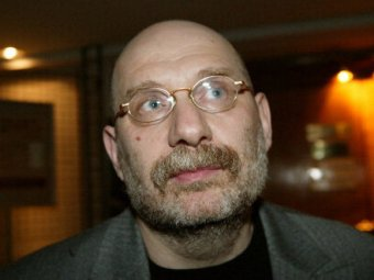 "Борис Акунин засудит ""СПИД-Инфо"" за ""секс-интервью"""