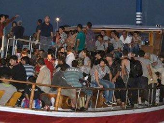 Судно с мигрантами затонуло у берегов Турции: число жертв приближается к 60