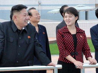 Жена Ким Чен Ына шокировала общественность своим нарядом
