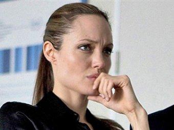 СМИ: В Турции Анджелина Джоли тайно обсуждала в возможность пересадки печени