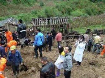 Школьники попали под оползень в Китае: 18 человек погибли