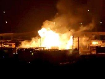 Крупный пожар в Твери: загорелись автобусы и взорвался грузовик с пропаном