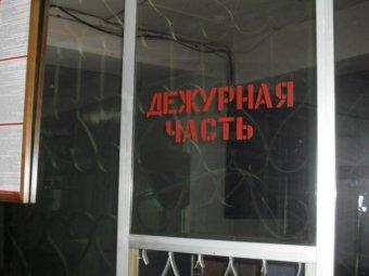 Во Владивостоке подростки под угрозой расправы сняли школьницу голой
