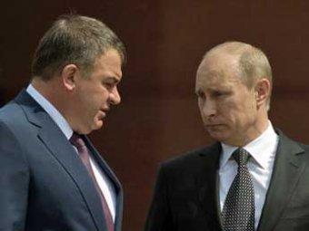 После коррупционных скандалов в Минобороны Путин отправил Сердюкова в отставку
