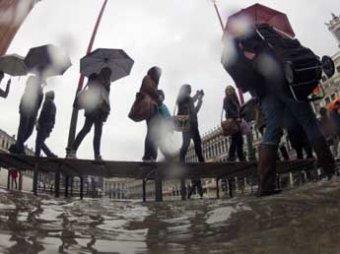 """Благодаря """"Франкеншторму"""" по-итальянски больше половины Венеции ушло под воду"""