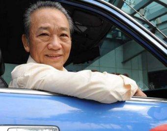 Таксист из Сингапура вернул туристам 1 млн долларов, забытых в его машине