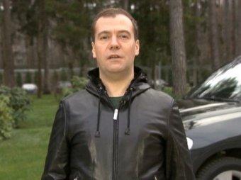 Медведев пообещал увеличить штрафы автомобилистам до 500 тысяч