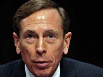 "Сенат возмущен молчанием ФБР о ""сексе под столом"" экс-директора ЦРУ"