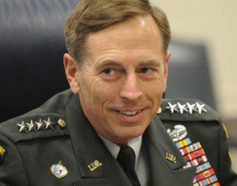 Любовница довела директора ЦРУ до отставки
