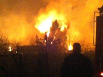 Из-за взрыва на газопроводе в Подмосковье загорелись частные дома