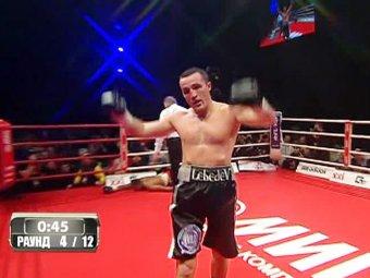 Денис Лебедев эффектным нокаутом защитил титул чемпиона WBA