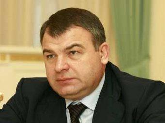 Следователь СКР заявил, что в деле хищений из Минобороны не обошлось без Сердюкова