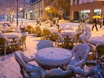 Европу накрыли аномальные снегопады: более 20 человек погибли
