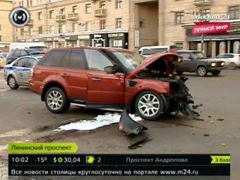 Пьяный сотрудник спецназа МВД протаранил в Москве два авто и троллейбус: есть жертвы