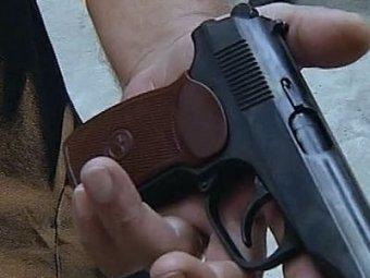 В Подмосковье муж случайно убил жену за новогодним столом, после чего застрелился