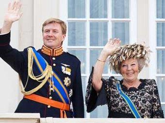 Королева Нидерландов добровольно отреклась от престола