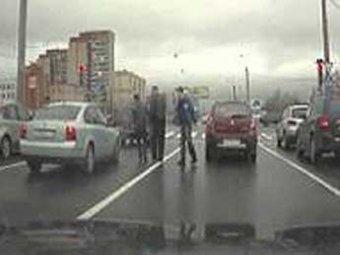 Массовая драка азербайджанцев в Петербурге закончится свадьбой