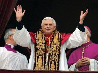 СМИ выяснили истинную скандальную причину отставки Папы Римского