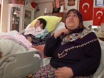 Турчанка взяла на воспитание парализованного российского туриста