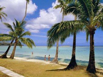 На курортном острове Гуам мужчина ранил 14 туристов: двое из них скончались