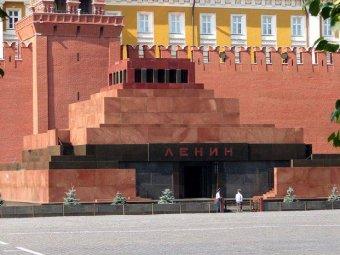 Пьяный Горбачев напал на охранника Мавзолея Ленина
