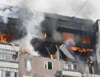 Взрыв и обрушение в многоэтажке Петербурга: один человек погиб