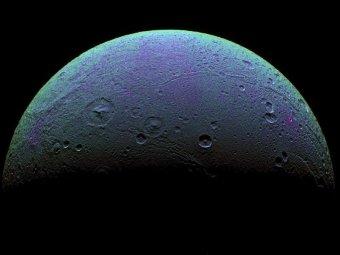 В атмосфере Титана обнаружен загадочный газ