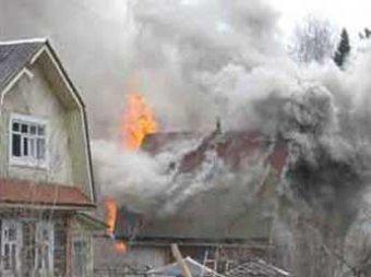 Три ребенка и двое взрослых стали жертвами пожара в Челябинской области