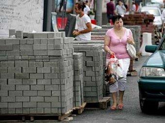 """Укладчики """"собянинской плитки"""" в Москве купили себе элитные квартиры в Майами"""