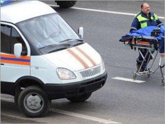 Водитель сбил людей, ожидавших общественного транспорта. В числе пострадавших двое детей.