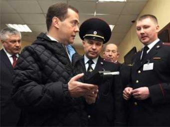 """Медведев предложили уволить 50 чиновников за """"блатные"""" автономера"""