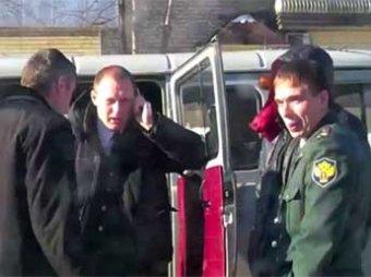 """Видео с пьяными наркополицейскими, """"наехавшими"""" на водителя, вызвал скандал"""