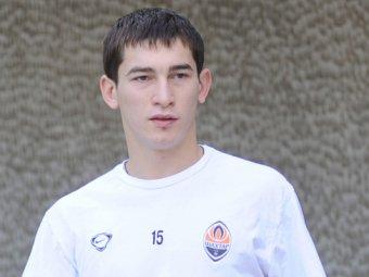 Украинский футболист едва не снес голову сопернику в матче с Молдовой