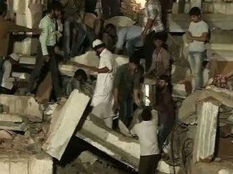 В Бангладеш обрушилось здание: 25 погибших, сотни пострадавших