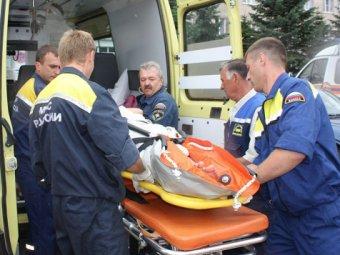 В Петербурге пьяный лихач сбил троих на автобусной остановке