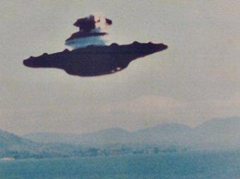 В небе над Манчестером очевидцы сняли НЛО