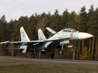 В Белоруссии истребители отработали посадку прямо на трассу М1