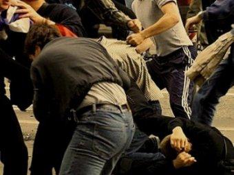 В Петербурге произошла массовая драка и убийство: задержаны около 400 человек