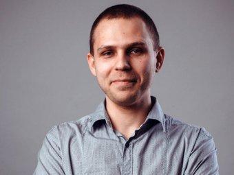 """Омского блогера вызывают на допросы за публикацию фото о """"голом беспределе"""" в кафе"""