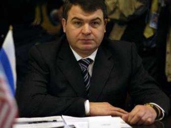 СМИ: Пузиков пытается спасти своего тестя Сердюкова от уголовного дела