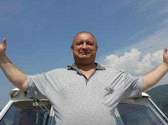 """В Новосибирске на """"Супердискотеке 90-х"""" скончался полковник полиции"""